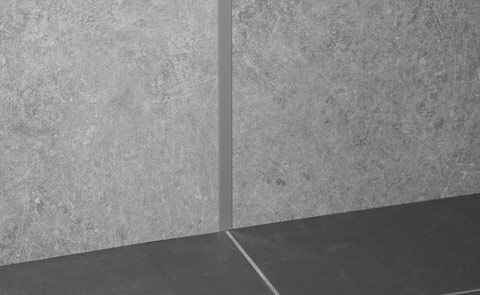 Profile und Leisten für Duschrückwände